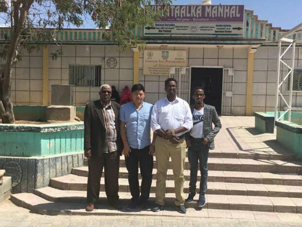 Guangzhou Yueshen Medical Equipment Engineer in Somaliland Install X-ray Machine
